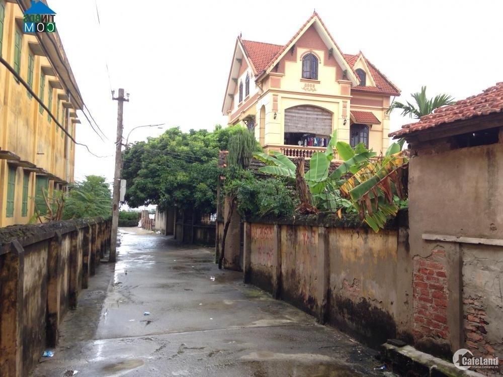 Bán đất kinh doanh 2 mặt tiền gần thị trấn Phùng