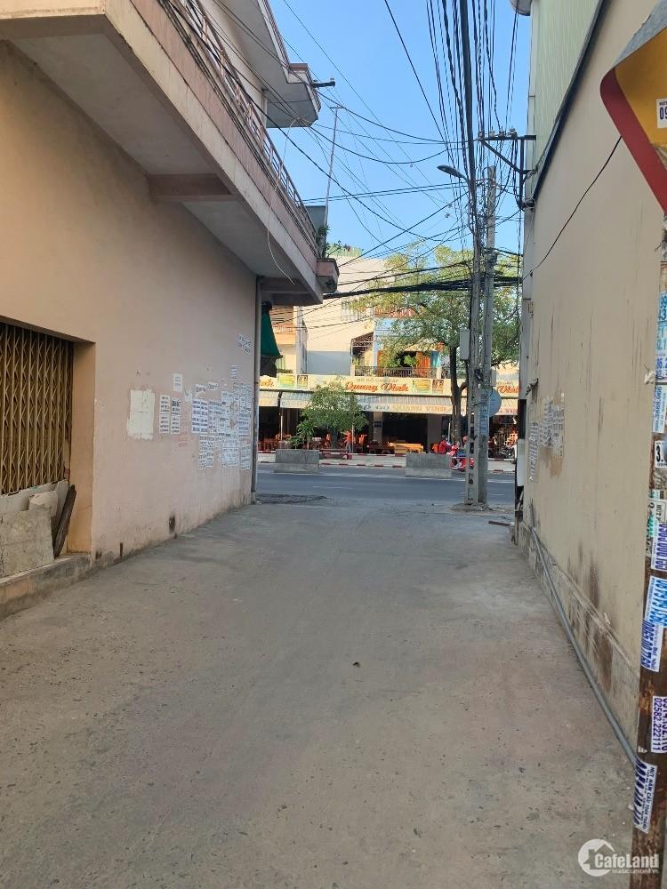 Nhà 1T3L hẻm ô tô cách đg Lê Hồng Phong chưa tới 10m, gần sát Bùng Binh Bình Tân
