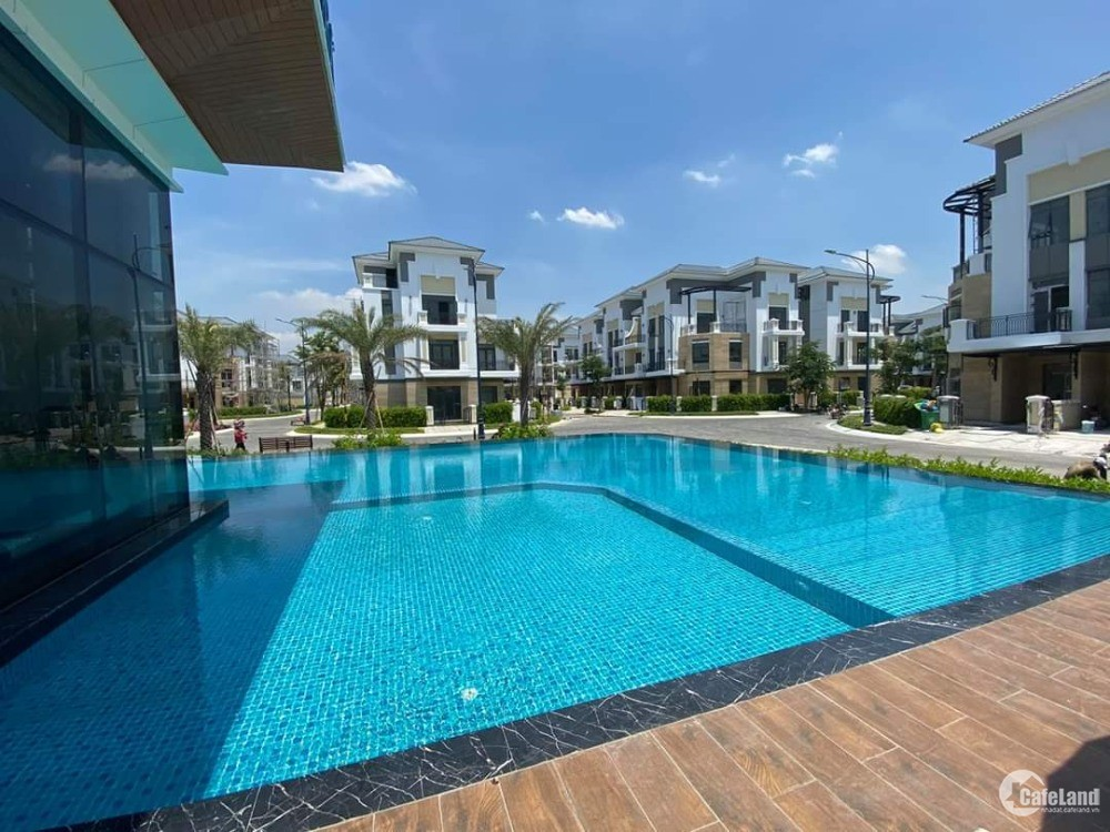 nhà phố mặt tiền ,khu Verosa Park dtxd 178m2, giá 10,2 tỷ, ck18% +gói nt 500tr