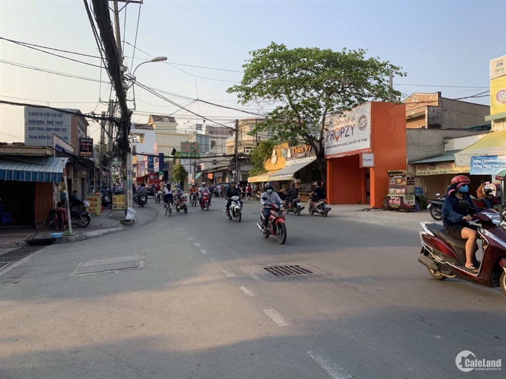Hot hot căn nhà mặt tiền đường Đỗ Xuân Hơp Q9