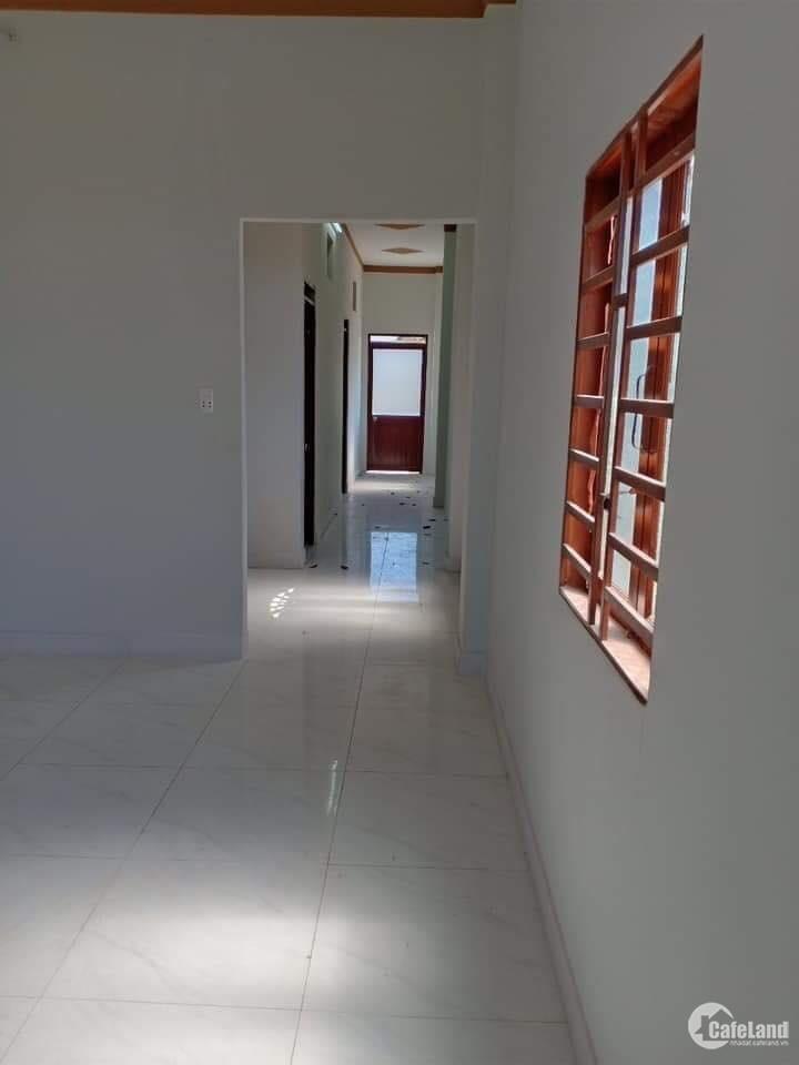 Bán gấp nhà Thủ Dầu Một giá rẻ 2 lầu diện tích 160m2. nhà mới 100% có 4 phòng