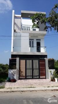 Căn nhà mới xây 5x20m ngay mặt tiền đường lớn, KDC đông đúc 0355106809