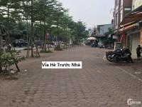 Bán đất mặt phố Lạc Long Quân, Tây Hồ: 60m, MT: 5m. Giá: 12 tỷ.