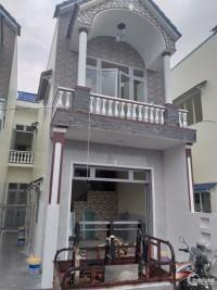 nhà 1 trệt 1 lầu ngay chợ hưng long 40m2 giá 760 triệu.