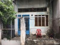 Bán gấp căn nhà nát đường Phan văn hớn, giá rẻ, sổ riêng