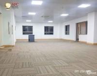 Cho thuê văn phòng hiện đại 200m2 giá rẻ trong tháng 5 mt đường Nguyễn Văn Linh