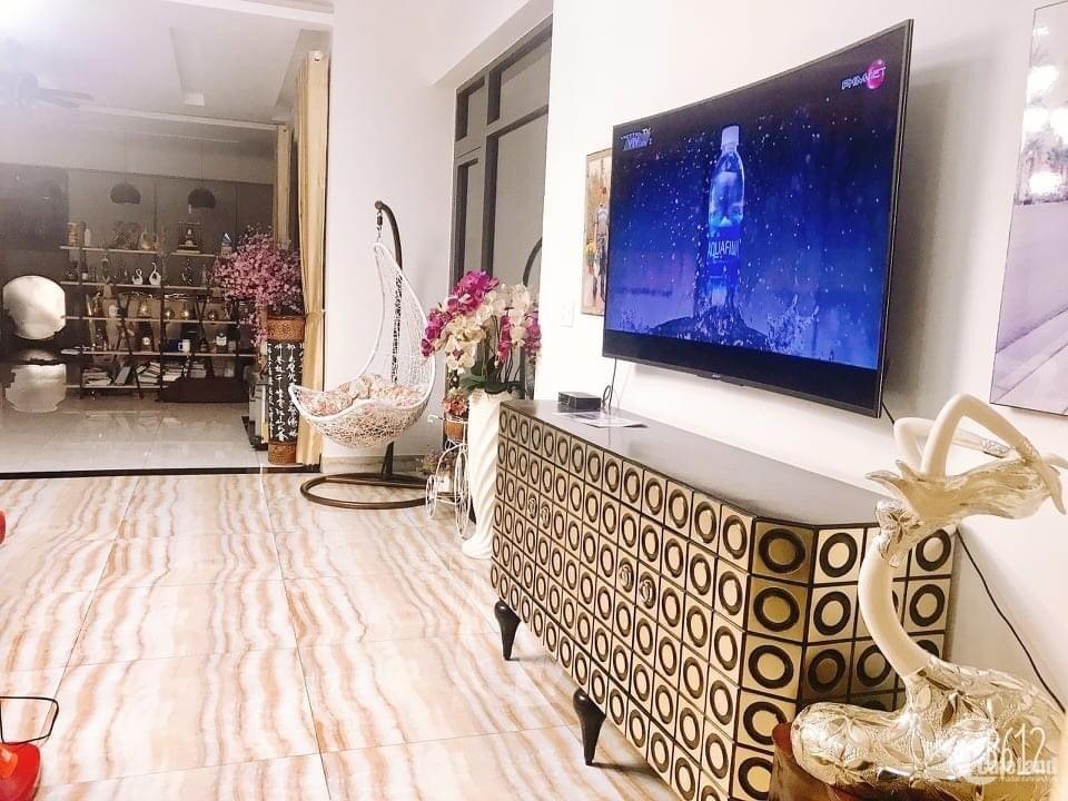 Bán nhà siêu đẹp Nguyễn Khoái Quận 4, 6 tầng, giá chỉ 11.5 tỷ, kinh doanh luôn.