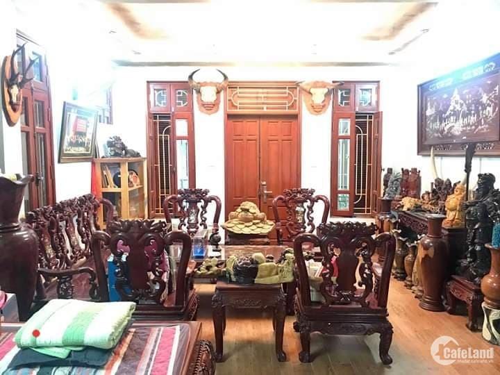 Bán Nhà Lô Góc Văn Cao, 3 Thoáng, Gara Ô Tô, , KD 45m, 5 Tầng, Giá 7.5 Tỷ.