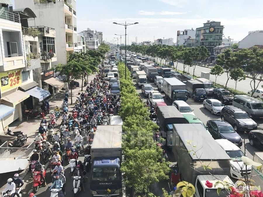 Mặt phố Phạm Văn Đồng- mặt tiền 12m