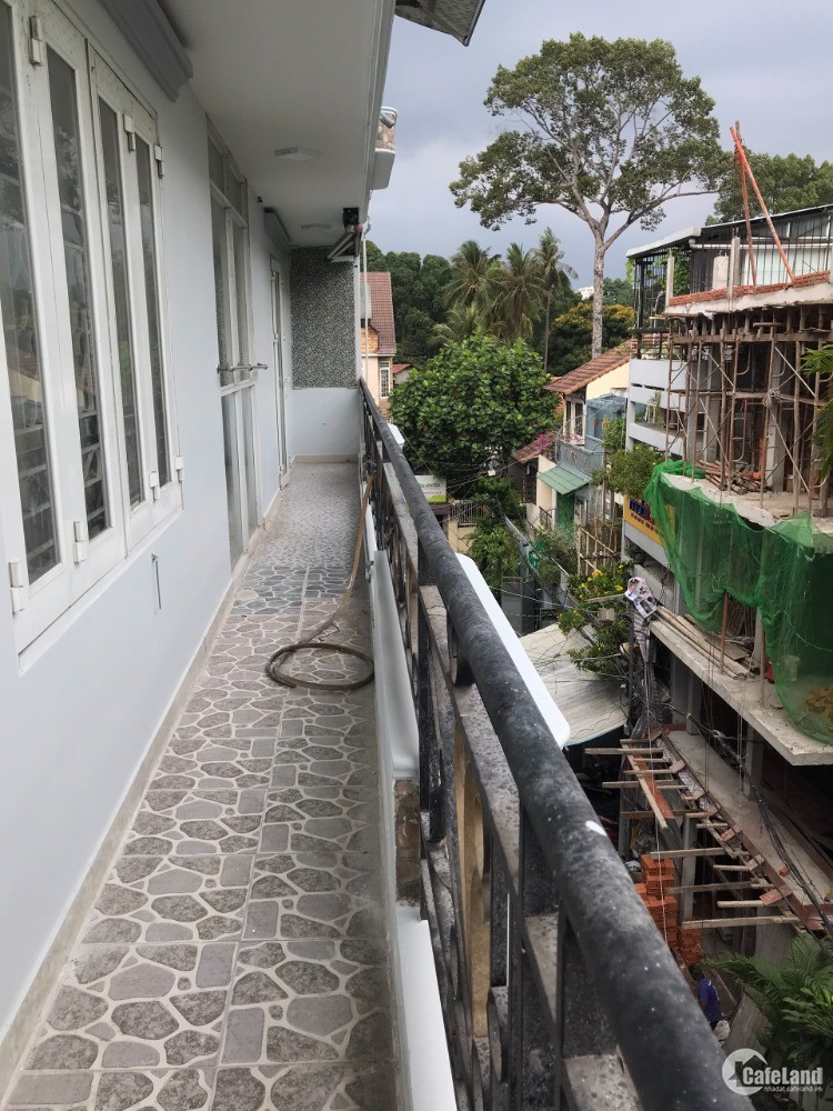 Cần tiền bán nhanh góc 2 MT Nguyễn trọng tuyển, P2, Tân Bình. 5 tầng, thang máy,