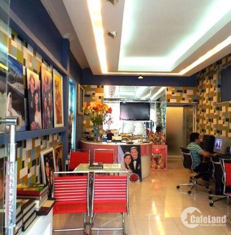 Bán nhà mặt phố Lạc Long Quân, kinh doanh, vỉa hè 5m, DT 48m2, giá 12 tỷ