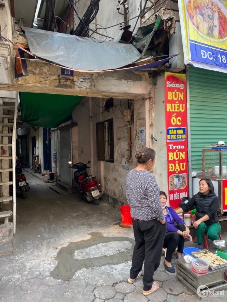 Bán lô góc nhà mặt phố Hòe Nhai - Quận Ba Đình , mặt tiền 4.24m