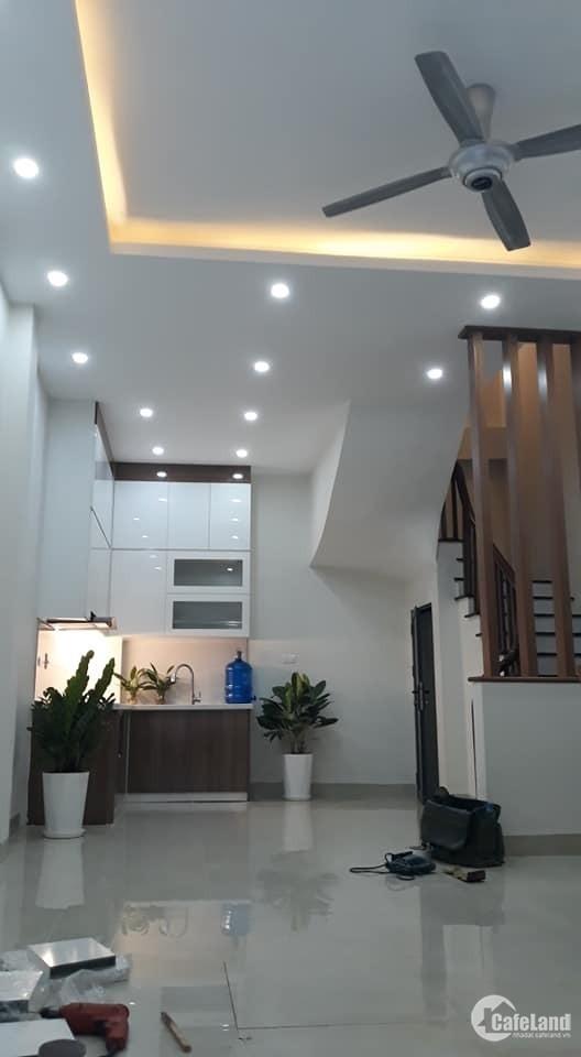 Nhà mới 5 tầng x 38m2 tại Đường Nguyễn Văn Cừ, Long Biên. Giá 3,75 Tỷ