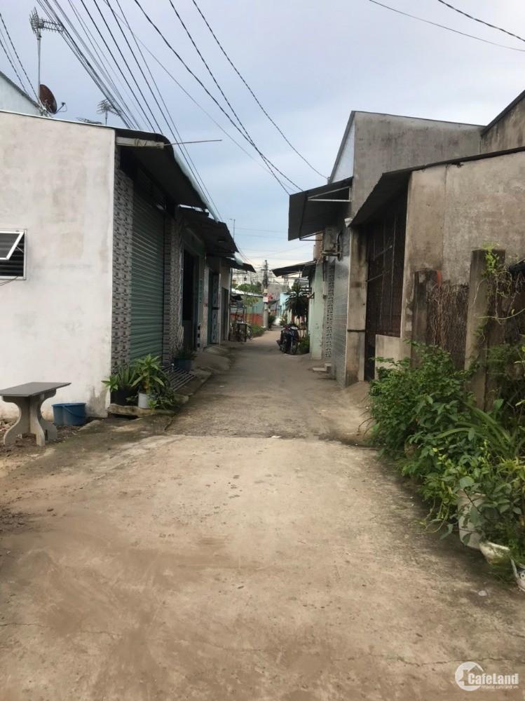 bán nhà cấp 4 mới xây thị trấn Long thành