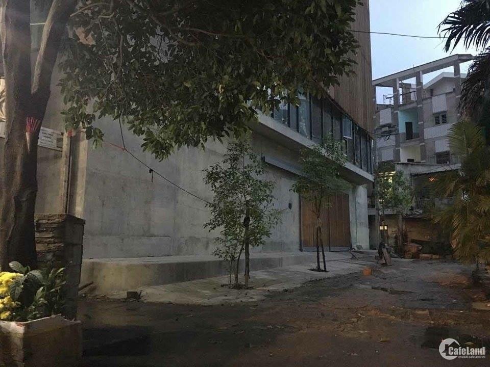 Bán nhà phố quận Tân Phú 10 tỷ