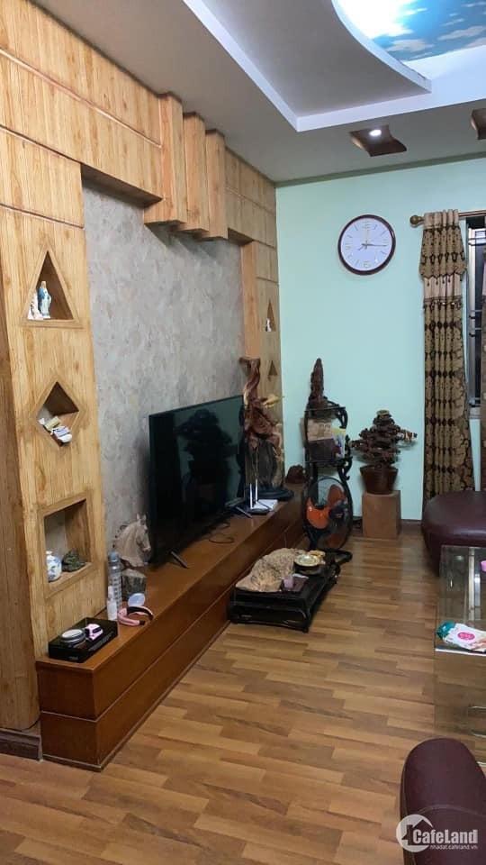 Cho thuê căn hộ 3 ngủ khu đô thị Việt Hưng Long Biên.