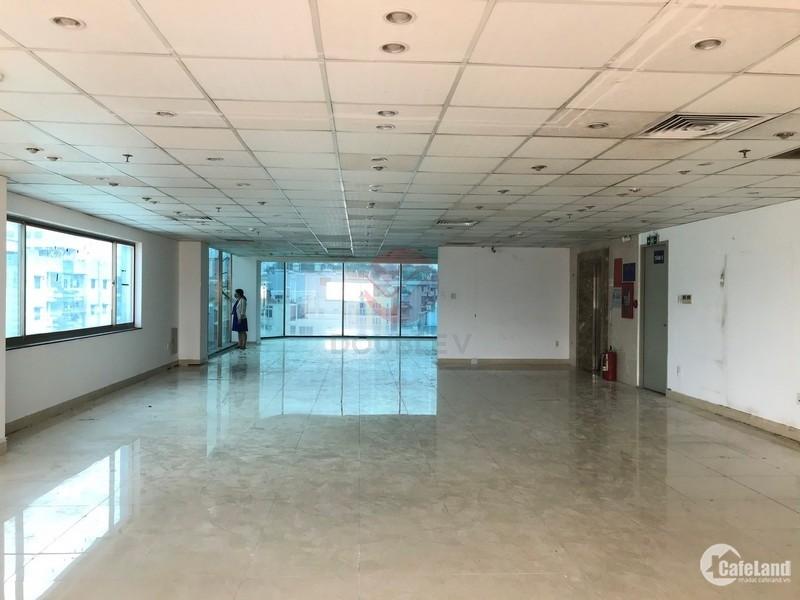 Văn phòng cho thuê quận 5 diện tích 200m2 vuông vức giá cực rẻ