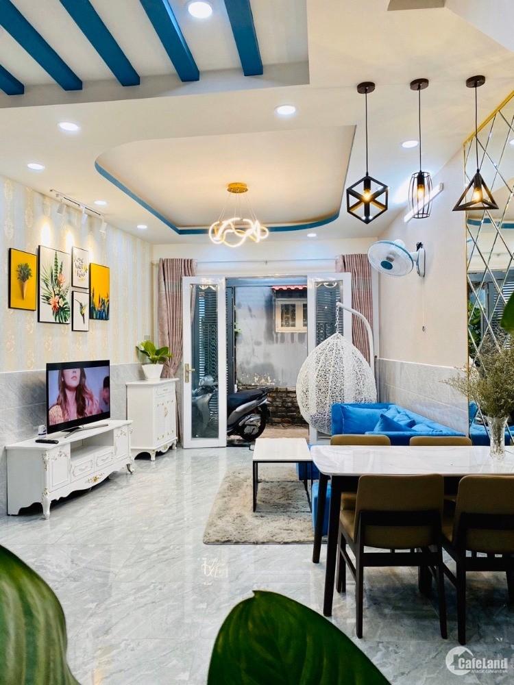 Nhà cần bán gấp HXH 5m đường D2, phường 25, Quận Bình Thạnh.