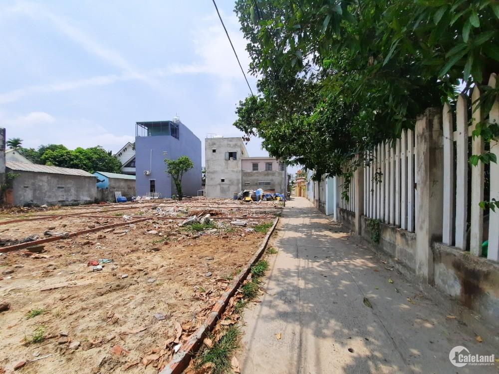 Đất kiệt Tôn Đức Thắng đối lưng công an P. Hòa Minh