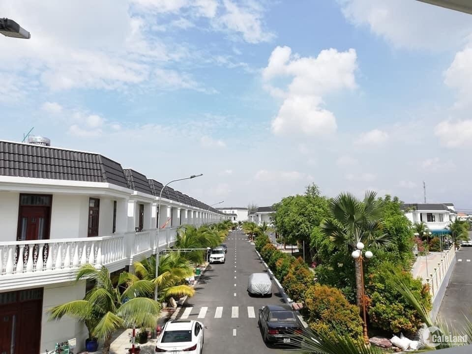 Nhà phố Champaca Garden Dĩ An Bình Dương - SHR - 4 tỷ/căn