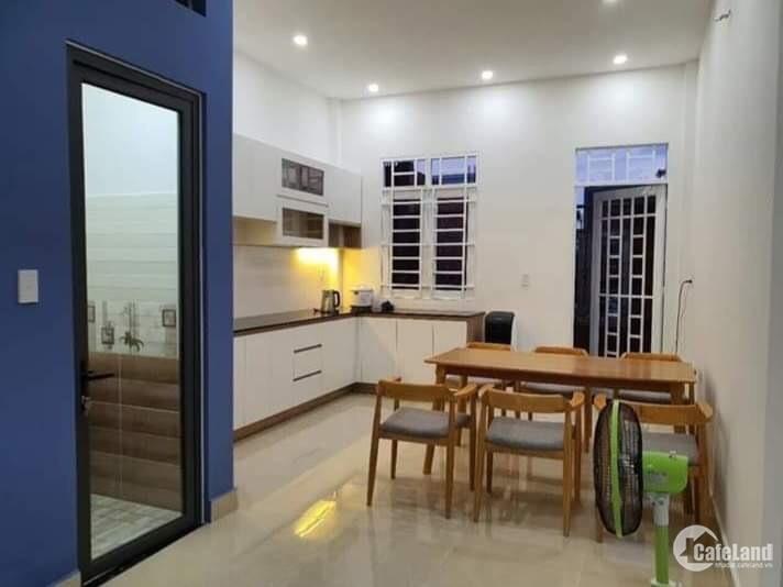 Nhà 1 trệt 1 lầu mặt tiền đường Nguyễn Trung Trực.