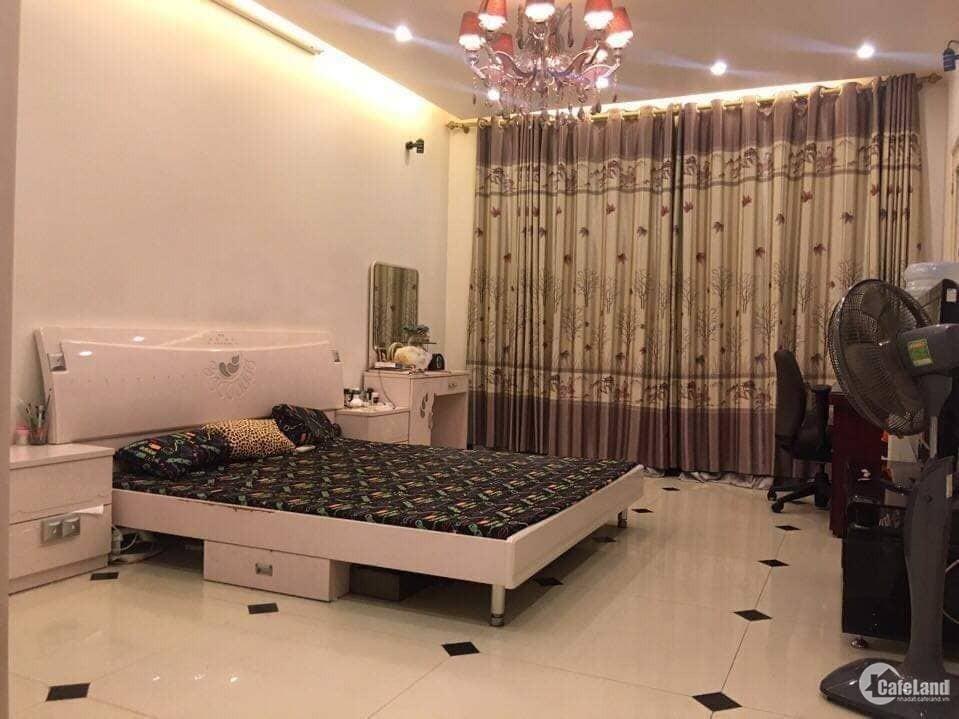Bán nhà ở Nguyễn Chí Thanh 32m2, 5 tầng, mặt tiền 4.1m