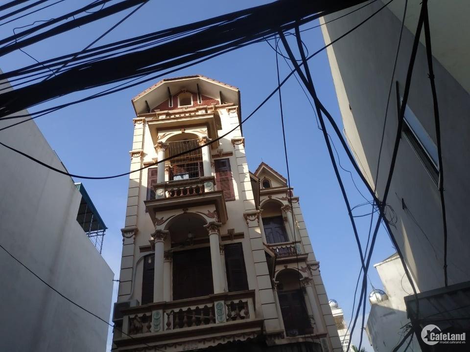 Bán gấp nhà Ngọc Hồi, 90m2, 4 tầng, ô tô vào nhà