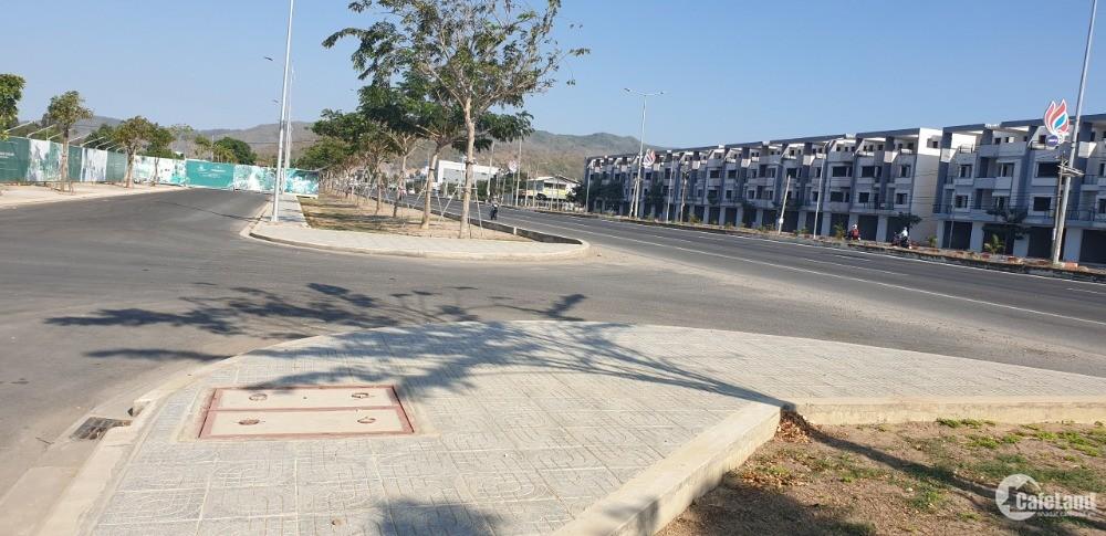 Bán lô đất chính chủ 5x22m giá 1,49 tỷ thổ cư 100% phường Long Hương