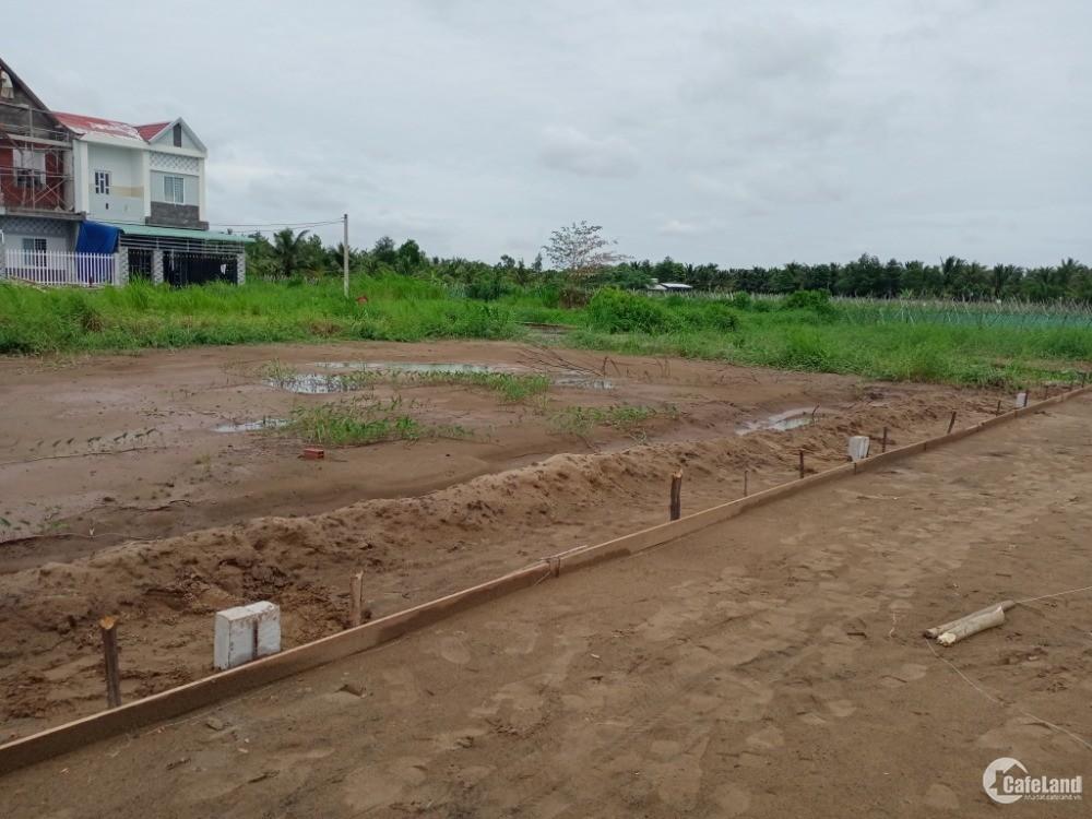 Bán đất ở tại Bến Tre mặt tiền đường 20m