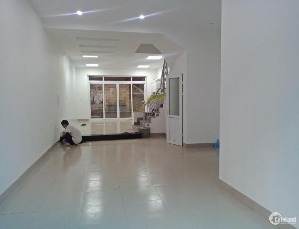 CC bán nhà liền kề KĐT Văn Khê đẹp miễn chê 86m2x4T chỉ 6.89 tỷ. LH: 0989.62.611