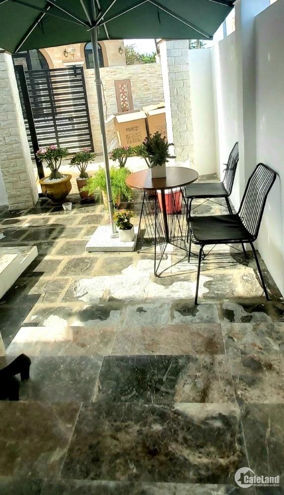 Siêu phẩm nhà phố phong cách Châu Âu cực Chất nhà mới xây tặng nội thất