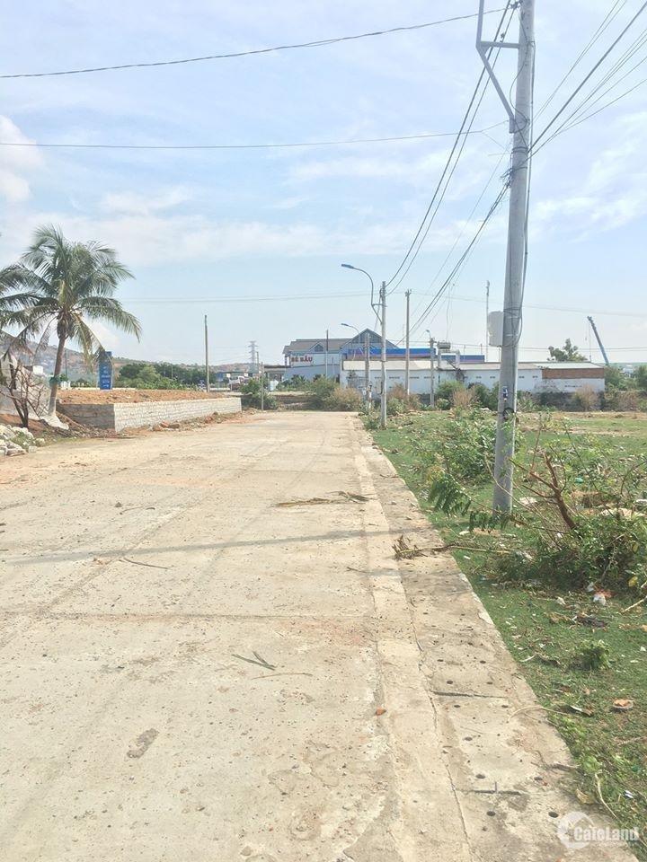 Dịch đói ra đi lô đất thổ cư 100% sổ đỏ đẹp trên tuyến quốc lộ 1A khu vực Cà Ná.