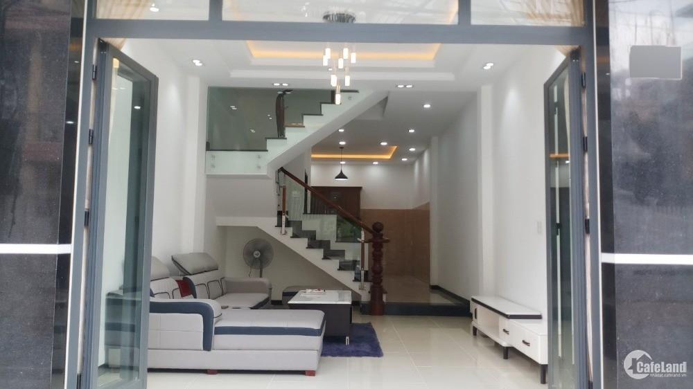 Bán gấp nhà 2 lầu mặt tiền đường số Phường Phú Thuận Quận 7