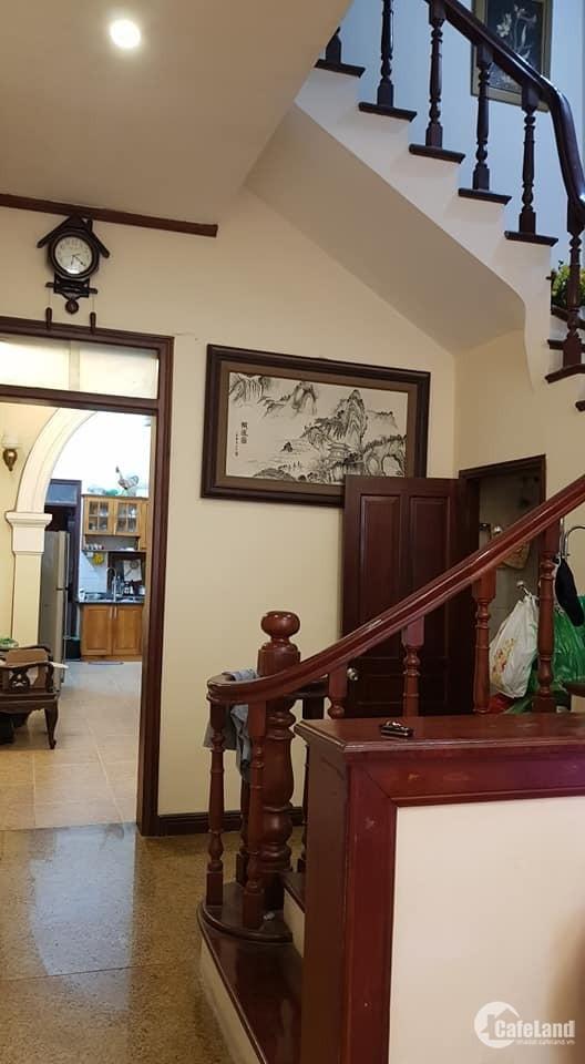 Bán nhà dãy A Đầm Trấu Hai Bà Trưng Hà Nội giá 10 tỷ9,x 50mx5 tầng,lh0968181902
