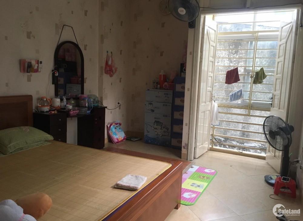 Nhà diện tích khủng Thịnh Liệt, nhà lô góc với không gian thoáng mát, ngõ 3 gác,