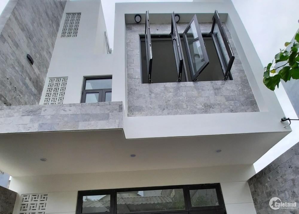 Cần tiền bán gấp nhà 2.5 tầng Tôn Đức Thắng- Đà Nẵng. LH: 0933458631