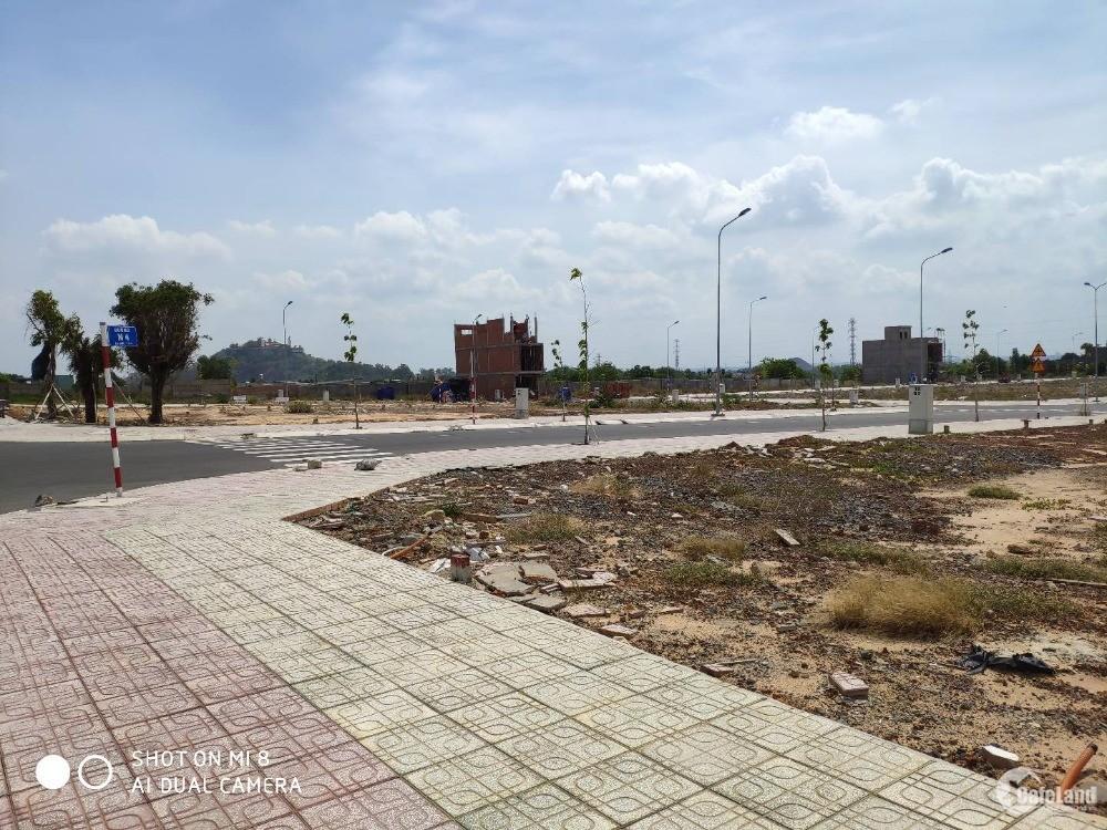 Cần bán 5 lô đất đường Lê Thị Riêng, P. Thới An, Q.12 chỉ còn 1.5 tỷ /nền, SHR