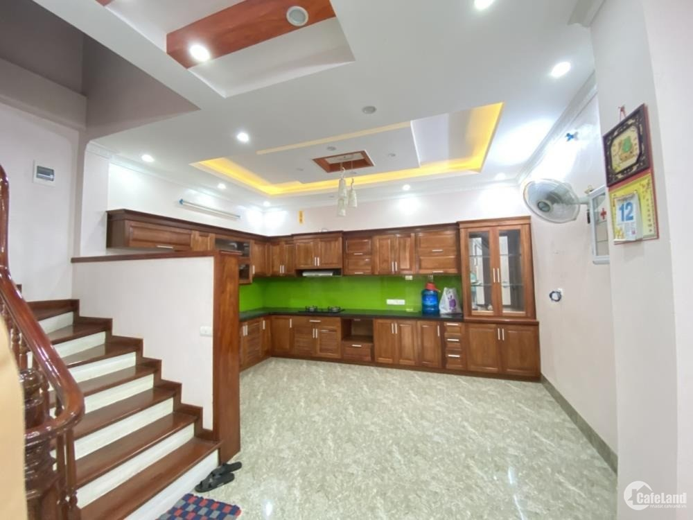 Cần cho thuê nhà 5 tầng ngõ Chùa Đỏ, Trần Phú, Hà Đông. 55m, ful NT, 13 tr/tháng