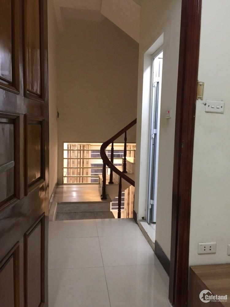 Nhà hiếm Phạm Ngọc Thạch, Đống Đa, 5 tầng, 4 ngủ, ngõ rộng, thoáng thông các ngả
