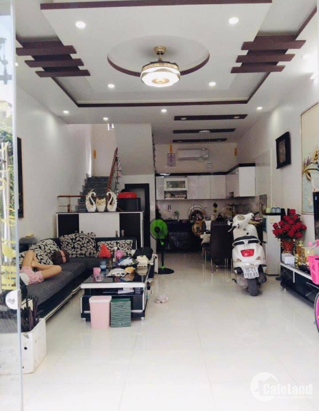 Bán nhà phố Phương Liệt, diện tích rộng, giá Cực Tốt.
