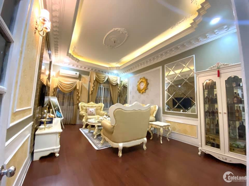 Bán nhà Hào Nam, 2 oto tránh, gara, nội thất xịn, 65m, 5 tầng, kinh doanh văn