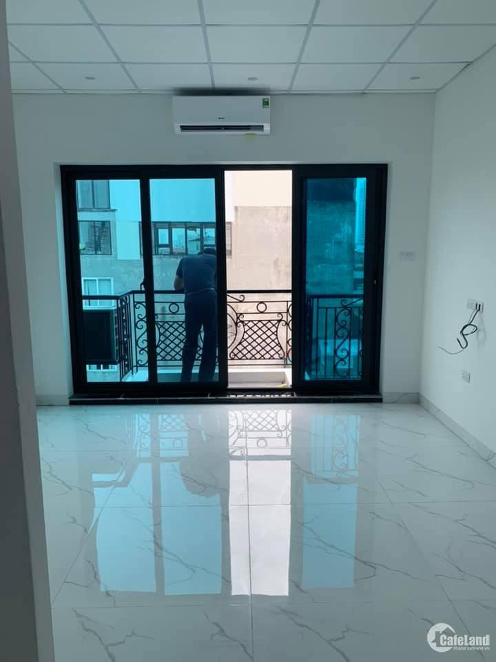 Mặt phố Trung Liệt, 110m, 9 tầng thang máy, kinh doanh. Cho thuê 1,2 tỷ/năm.