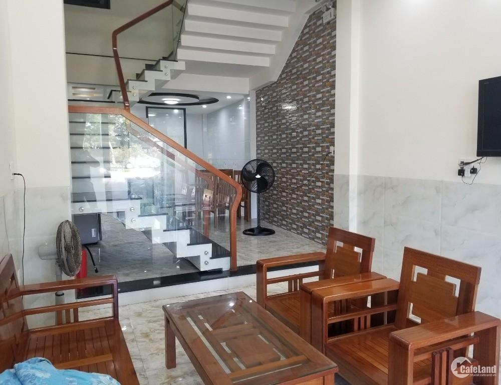 Bán nhà 3 tầng MT Lê Văn Hiến, 4PN, 4WC  gần Bùi Ta Hán