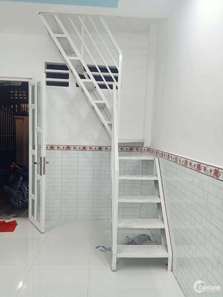 Bán nhà 3 phòng ngủ Đoàn Văn Bơ Quận 4 siêu hiếm giá chỉ 2.3 tỉ