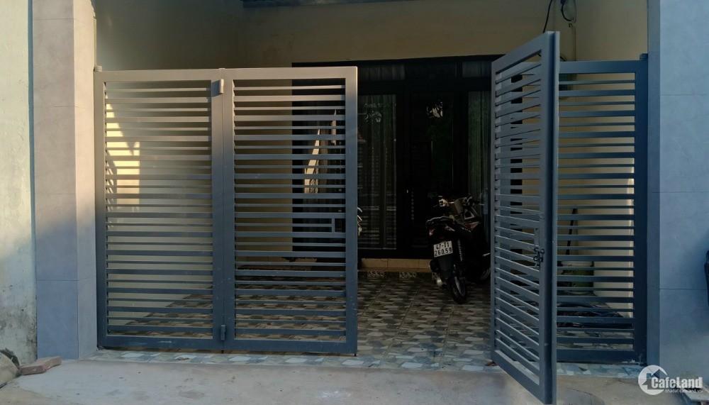Cần bán căn nhà cấp 4 còn mới ở Phú Hòa,Thủ Dầu Một, Bình Dương
