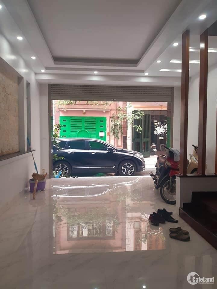 Nhà đẹp Phú Diễn mặt tiền 8.2m, view thoáng, 30m oto tránh, giá chỉ 3.3 tỷ.