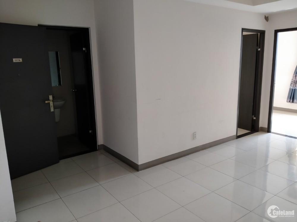 Cho thuê gấp căn hộ sky 9 50m2 2pn 1wc có sẵn rèm cửa giá chỉ 6tr/tháng