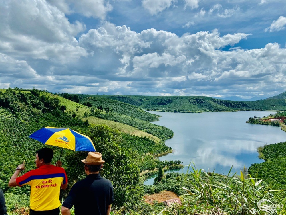 Bán ĐẤt  View Hồ XAnh Ngát Có Thể Kinh Doanh Homestay hoặc Biệt Thự Nghĩ Dưỡng