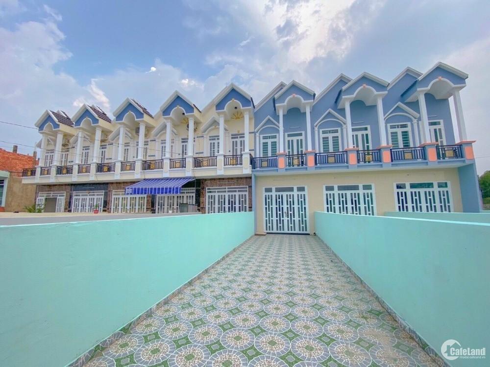 Nhà mới giá sốc - 650tr/căn ngay ngã 3 Mỹ Hạnh, gần cầu lớn Hóc Môn