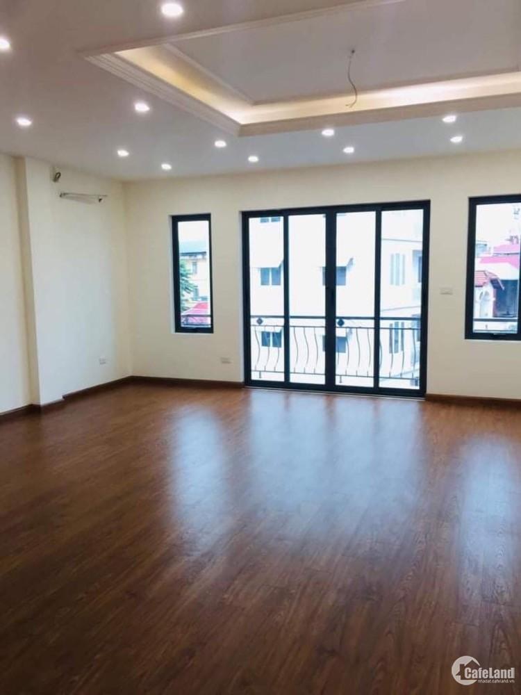 Bán nhà Ba Đình - Đường Bưởi ngõ ô tô,nhà có gara và thang máy giá 9.9 tỷ